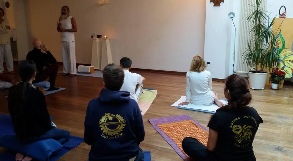 Yoga con il maestro